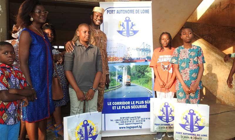 Le Port Autonome de Lomé a la cérémonie de remise de kits scolaires aux meilleurs élevés au cepd.