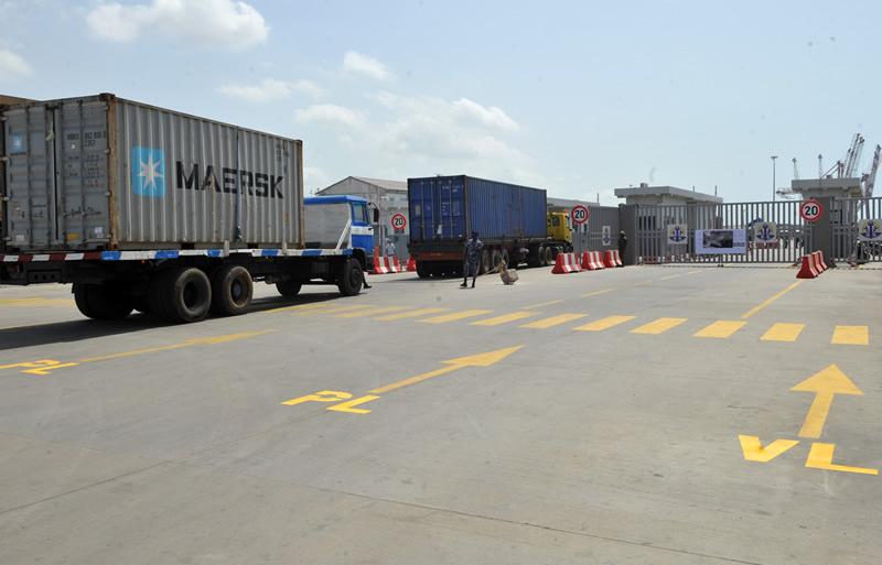 Au Port de Lomé, la voirie intérieure se refait